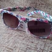 Сонцезахисні окуляри H&М оригінал є фото вживу!