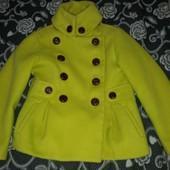 Отличное демисезонное пальто Next на 5-6 лет,можно с 4 лет