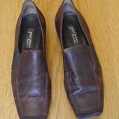 Туфлі шкіряні розмір 4 1/2 на 37 стелька 25,1 см Paul Green