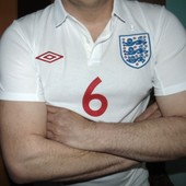 Спортивная фирменная футбольная футболка тениска оригинал Umbro Зб Англии .м-л.