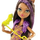 В наличии много кукол Monster High