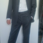 классический мужской костюм на 3 пуговицы от итальянского брэнда