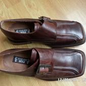 Нові шкіряні туфлі 40р. 26см