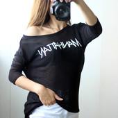 лёгкий свитерок с надписью