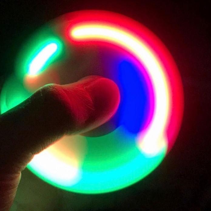Спиннер spinner светящийся. самый популярный. фото №1
