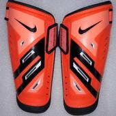 Щитки , защита для голени и стопы, экипировка футбольная Nike guard lock р. S и М