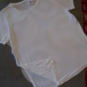 Крутые белая футболка от Divided , размер L