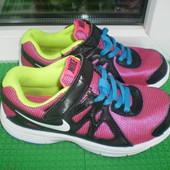 кроссовки Nike р. 30 , стелька по замерам 19.5 см