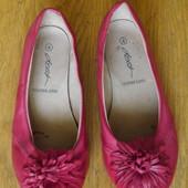 Туфлі розмір 4 на 37 стелька 24,4 см Dash