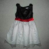 платье Spunky Kids 5лет, нуждается в ремонте