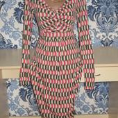 Очень красивое платье р-р 44