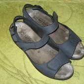 Босоножки сандалии Mephisto 41-42 р-р 27.5 см стелька Оригинал! В идиальном состоянии. Полностью кож