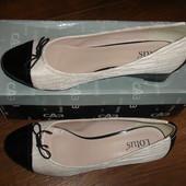 Фирменные Lotus стильные туфли на 42 размер