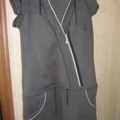 Интересное трикотажное платье в отличном состоянии