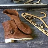 Шикарные летние сапоги-ботинки Bronx,р-р 39-40