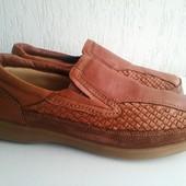 Кожаные туфли Clarks 42,5 р. Камбоджия.
