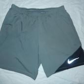 Nike оригинал,спортивные шорты р-р М ,сток