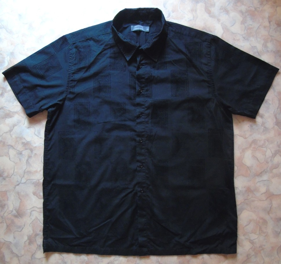 Черная рубашка с кор. рукавом 54 с узором фото №1