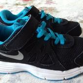 Кроссовки Nike оригинал . Размер 28,5 (ст. 18,5) см . Легкие, дышат.