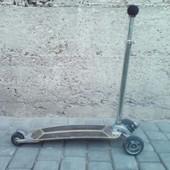 Трехколесный самокат Kickboard до 100 кг