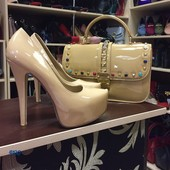 Туфли в стиле Лобутен беж лак