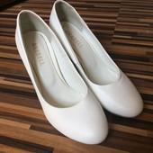 Кожаные свадебные туфли в идеальном состоянии