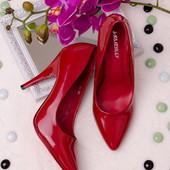 Классические лаковые женские туфли-лодочки