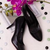 Классические женские туфли лодочки черного цвета