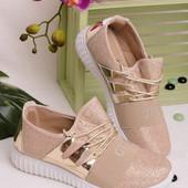 Удобные легкие женские кроссовки