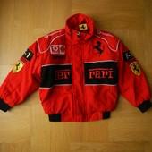 5-6 лет Ferrari как новая теплая демисезонная деми куртка. Длина - 45 см, ширина - 41 см, плечи - 41