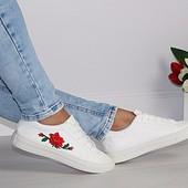 Кеды белые Роза вышивка