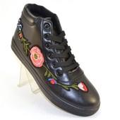 Ботинки 2 цвета с вышивкой Т747