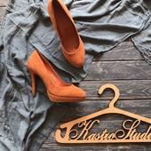 Замшевые кирпичные туфли р-р 39