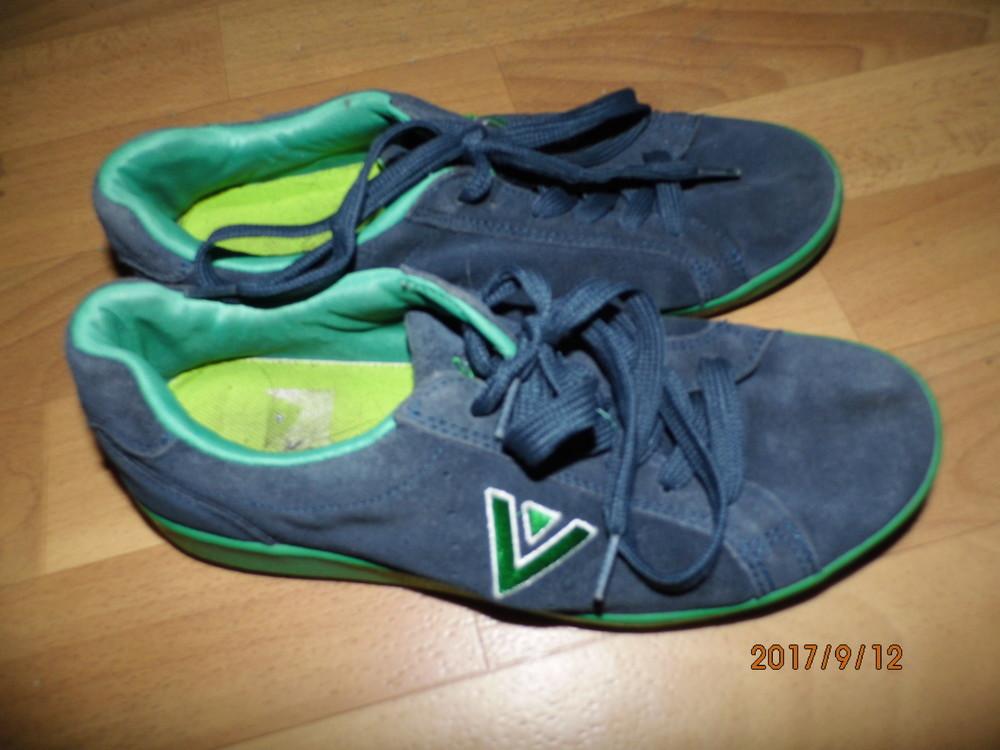 (i166)фирменные кожаные кроссовки 39 р Venice UK 5 1\2 фото №1