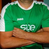 Фирменная споривная  футбольная футболка  Jako хл -л.