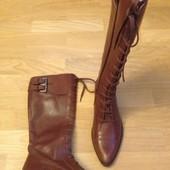 Високі чоботи із нат.шкіри зовні і зсередини 38 р-р і устілка 25,5 (разом з носиком)