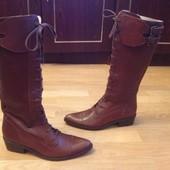 Високі чоботи із нат.шкіри зовні і зсередини 38 р-р і устілка 25 См (разом з носиком)