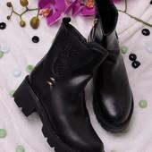 Стильные женские ботинки в стиле Casual