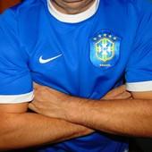 Спортивная оригинал фирменная футбольная  футболка Nike  зб Бразилии .л-хл .