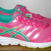 отличные новые кроссовки Асикс 23 см