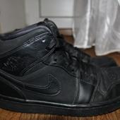 Демисезонные ботинки,кроссовки Nike Jordan.40,5 р. 26см.Кожа.Оригинал.