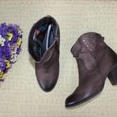 40 26см Tamaris Кожаные ботинки на каблуке полусапоги