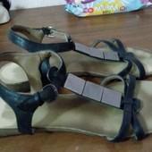 !Стильные и модные Gregeland  босоножки размер 40