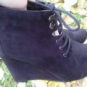 Ботинки замшевые демисезонные черные 38-38,5(24,5-25 см).