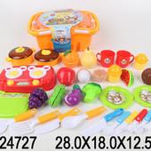Игрушечный набор посуды и продуктов в корзине 1624727
