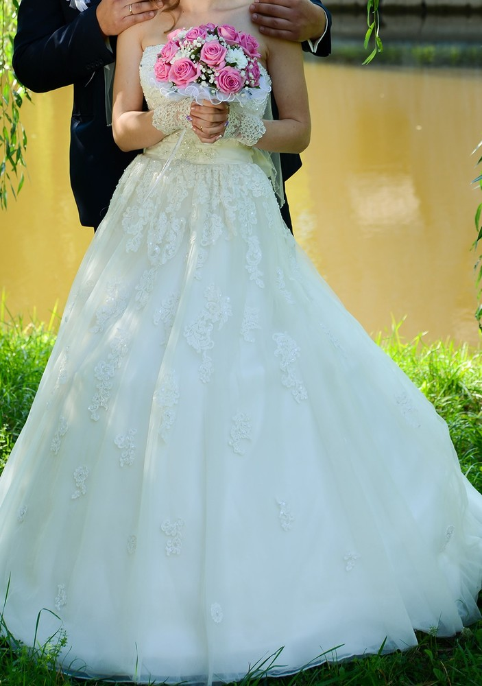 Весільне плаття колір айворі фото №1