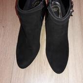 Ботинки Oasis р.38 стелька 25,5 см.