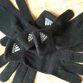 Фирменные перчатки Adidas
