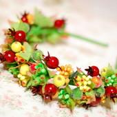 Обруч ободок венок с ягодами шиповника на осенний бал