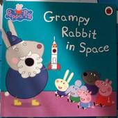 Книга на английском языке Грампи-кролик в космосе